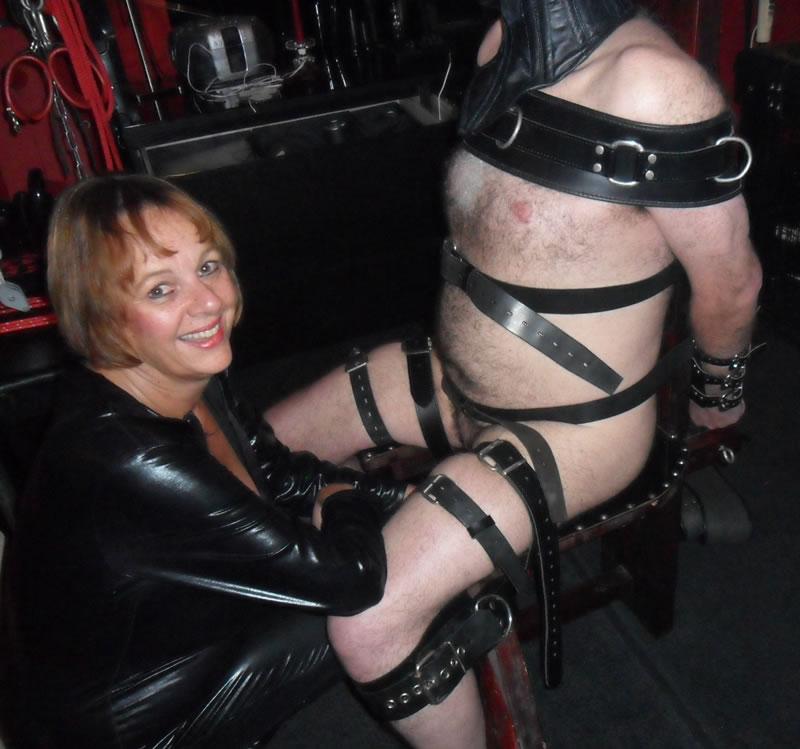 cheshire-mistress-20151009018v44